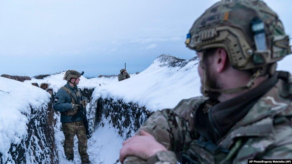 Фото: український військовий поблизу Водяного, 5 березня 2021 року