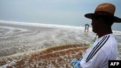Cơn bão tràn qua Hoàng Hải, gây ảnh hưởng tới cả Trung Quốc và Nam Triều Tiên, trước khi đổ bộ vào Bắc Triều Tiên