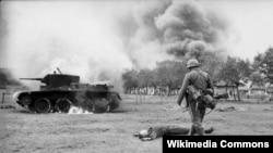 Təkcə müharibənin ilk 6 ayını əhatə edən Barbarossa əməliyyatında Nasist Almaniyası beş milyona yaxın sovet əsgəri öldürmüşdü.