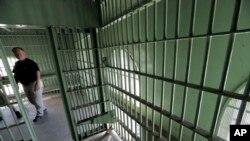 La celda en donde guardó prisión Ernesto Miranda, hace 50 años, forma parte del Museo de la Polícia de Phoenix.