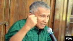 Muhammad Amien Rais saat memberikan keterangan pers hari Kamis (3/9) di kediamannya Pandeyan Sari, Condong Catur, Sleman Yogyakarta (foto: VOA/Munarsih).