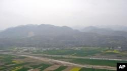 圖為部份被荒棄的甘肅農田(資料照)