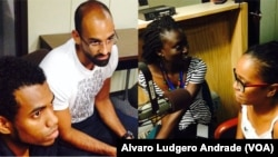 Da esquerda para a direita, Joel Almeida, Frederico Costa, Ilsa Sa e Angela Sa, participantes YALI 2015 nos estúdios da VOA