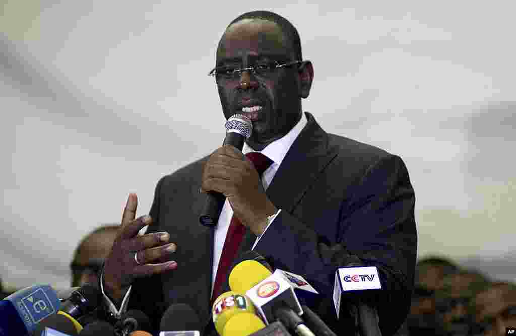 Senegalese president-elect Macky Sall speaks to the press after President Abdoulaye Wade conceded defeat, in Dakar, Senegal, March 26, 2012. (AP)