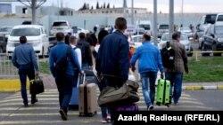 Turistlər Gürcüstanda