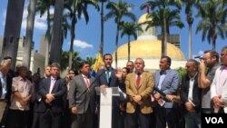El presidente encargado de Venezuela, Juan Guaidó, señaló que el mundo hoy no está del lado de Juan Guaidó ni de la Asamblea Nacional, sino del lado del venezolano que quiere vivir mejor, que quiere reconstruir la democracia.
