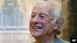 Ray Harryhausen, a special effects master whose sword-fighting skeletons, six-tentacled octopus and other fantastical creations were adored by film lovers and admired by industry heavyweights, has died.