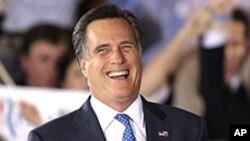 Razão para sorrir. Mitt Romney tem vantagem sobre Obama, diz nova sondagem