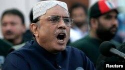 آقای زرداری بین سالهای ۲۰۰۸ و ۲۰۱۳ رییس جمهور پاکستان بود