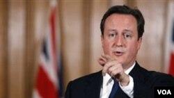 Sekitar 9.500 tentara Inggris bergabung dengan pasukan koalisi NATO di Afghanistan.