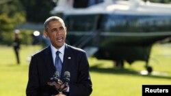 바락 오바마 미국 대통령이 23일 워싱턴 백악관에서 유엔 총회 참석 차 뉴욕으로 향하기에 앞서, 미군의 시리아 내 ISIL 공습에 관한 입장을 밝히고 있다.