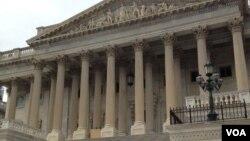 國會大廈參議院一側。