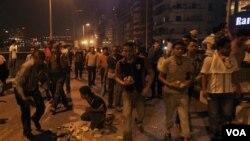 Vyolans ann Ejip: Plis pase 2 Dizèn Mò, Plis pase 200 Blese
