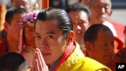 ກະສັດ Jigme Khesar Namgyel Wangchuck ແຫ່ງພູຖານ ລຸນຫລັງພິທີລາຊາພິເສກ ໃນປີ 2008.