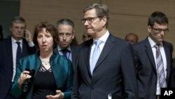 Para diplomat Uni Eropa mengumumkan sanksi-sanksi yang lebih berat terhadap industri Iran dalam pertemuan di Brussels (15/10).