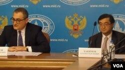 哈基莫夫(右)與俄羅斯副外長莫爾古洛夫(左)(美國之音白樺)