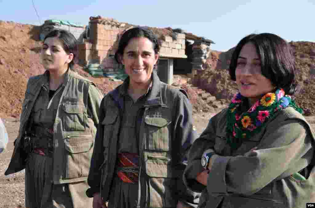 زنان ی.پ.گ یا همان یگانهای مدافع زنان