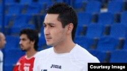 Futbol bo'yicha O'zbekiston Milliy terma jamoasi a'zosi Sanjar Tursunov