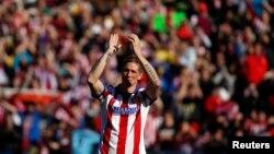 Fernando Torres de l'Atletico Madrid lors de sa présentation au stade Vicente Calderon, Madrid, le 4 janvier 2015.