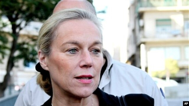 FILE - Sigrid Kaag, head of the U.N. team charged with destroying Syria's chemical weapons, addressing reporters in Damascus, Oct. 22, 2013.