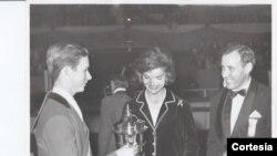 La Primera Dama Jackeline Kennedy donó la prestigiosa Copa Presidente.