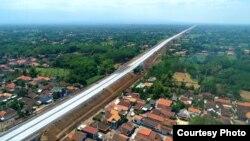 Jalan tol Trans Jawa (Foto courtesy: KemenPURR)