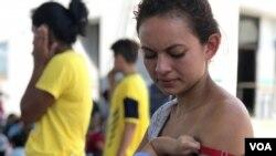 Una subcomisión del comité de supervisión y reforma de la cámara baja del Congreso de EE.II. convocó a una audiencia acerca de una decisión del gobierno anunciada el 7 de agosto pasado de suespender deportación de migrantes enfermos.