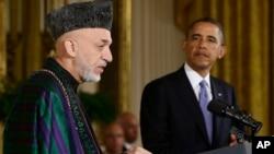 지난 1월 백악관에서 회동한 미국 바락 오바마 대통령(오른쪽)과 아프가니스탄의 카르자이 대통령(왼쪽).