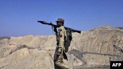 Pakistani ndal furnizimet e Natos pas sulmit