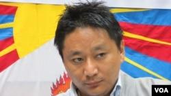 西藏青年会秘书长 丹增诺桑 (美国之音 张永泰拍摄)