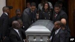 Les funérailles d' Akai Gurley abattu par un policier, le 6 décembre 2014.