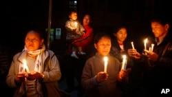 13일 네팔 카트만두에서 분신자살한 티베트인들을 기리기 위해 열린 촛불추모행사.