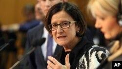 24일 오스트리아 빈에서 오스트리아와 9개 발칸국가들이 난민 문제를 논의한 가운데, 조한나 미클-라이트너 오스트리아 내무장관이 기자회견을 하고 있다.