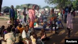 2016年7月11日,失去家園的南蘇丹民眾暫時居住在聯合國使團設立的難民營裡。