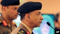 El portavoz del ministro del Interior de Arabia Saudí, mayor general Mansour al-Turki dijo que habían detenido a varias células terroristas.