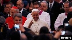 El papa tomó posesión oficial de la iglesia San Juan de Letrán en Roma.