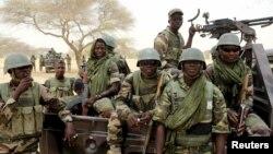 Les forces spéciales du Niger se préparent à combattre Boko Haram à Diffa, le 26 mars 2015.