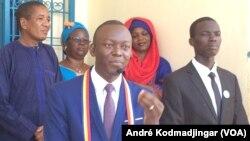 Dr Succès Masra président du parti les Transformateurs, N'Djamena, Tchad, le 11 août 2019. (VOA/André Kodmadjingar)