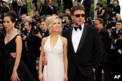 «راسل کرو» بازیگر «گلادیاتور» در کنار همسر سابقش «دنیل اسپنسر»، هنرپیشه استرالیایی