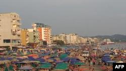 Shqipëri: Kërkesat e mëdha shtyjnë periudhën e turizmit