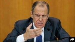 세르게이 라브로프 러시아 외무장관이 21일 모스크바에서 가진 기자회견에서 시리아 평화회담에 관한 입장을 밝히고 있다.