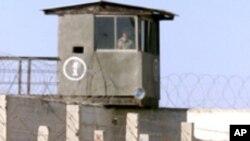 کشته شدن حداقل نه زندانی در ایران