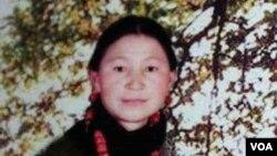 自焚身亡的藏人卓嘎近照(美国之音藏语组提供)