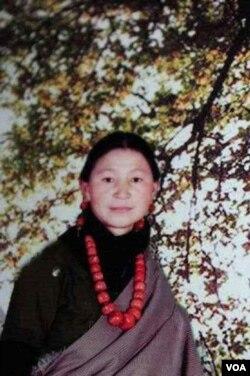 自焚身亡的藏人卓嘎近照