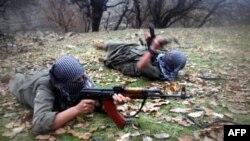Các thành viên của nhóm phiến quân người Kurd Đảng Đời sống Tự do Kurdistan PJAK