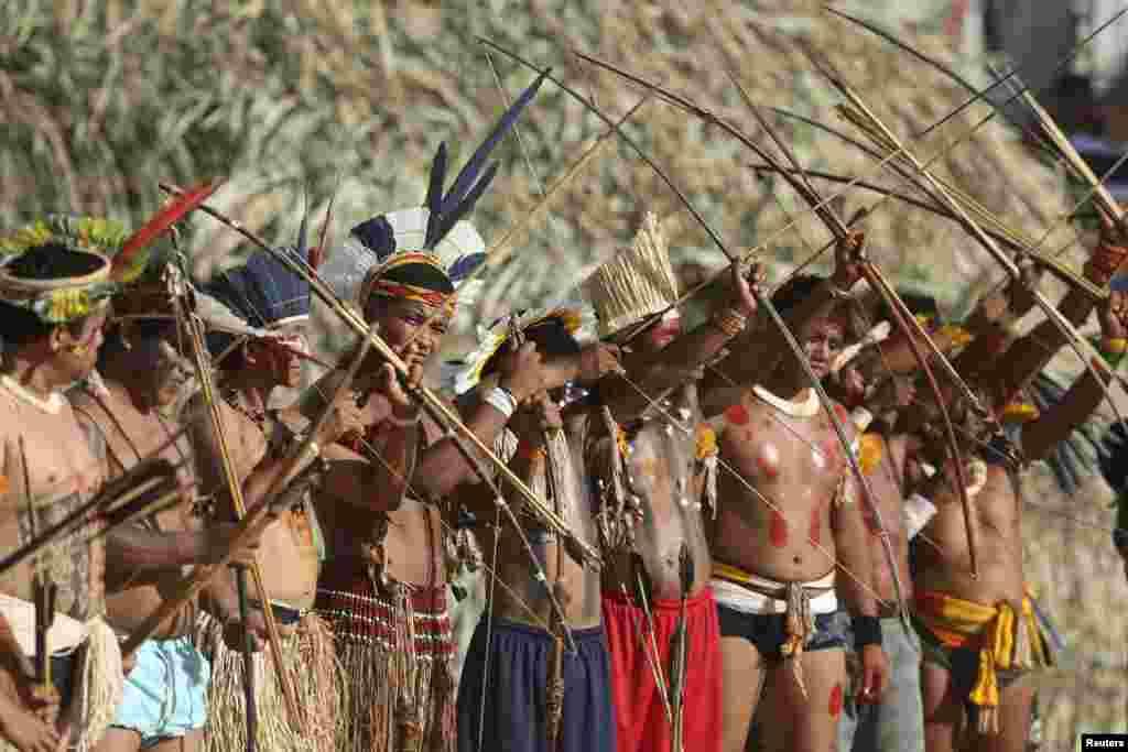 ان کھیلوں کے مقابلے کے دوران وہ روایتی کھیلوں کے علاوہ ثقافتی رسموں میں بھی حصہ لیں گے۔