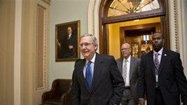 Thành viên cấp cao nhất của đảng Cộng hòa tại Thượng viện, trưởng khối thiểu số Mitch McConnell, cho biết các thành viên trong tiểu ban của ông đã bỏ phiếu vì lợi ích chung