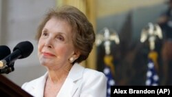 သမၼတ ကေတာ္ေဟာင္း Nancy Reagan ၏ မွတ္တမ္းရုပ္ပံုမ်ား