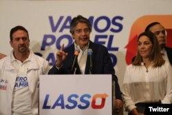 """Guillermo Lasso en conferencia de prensa: """"Vamos a exigir, amparados en la Constitución, que se recuenten los votos uno a uno, en todo el territorio nacional""""."""