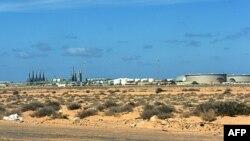 Нефтеперерабатывающий завод в городе Рас-Лануф
